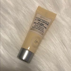 3/$10 IT Cosmetics Confidence in a Gel Lotion
